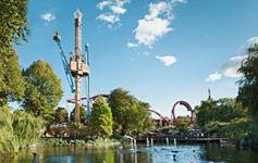 Tivoli, KøbenhavnLige ved Rådhuspladsen ligger Københavns største attraktion - Tivoli. Her findes spændende forlystelser...